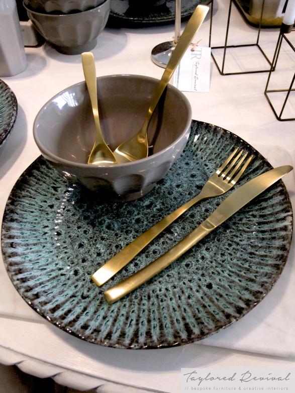 crockery and cutlery (8)